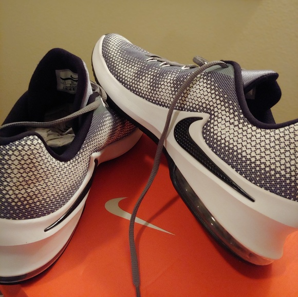 best website 942f6 61210 Nike Air Max Infuriate Low Basketball Shoes